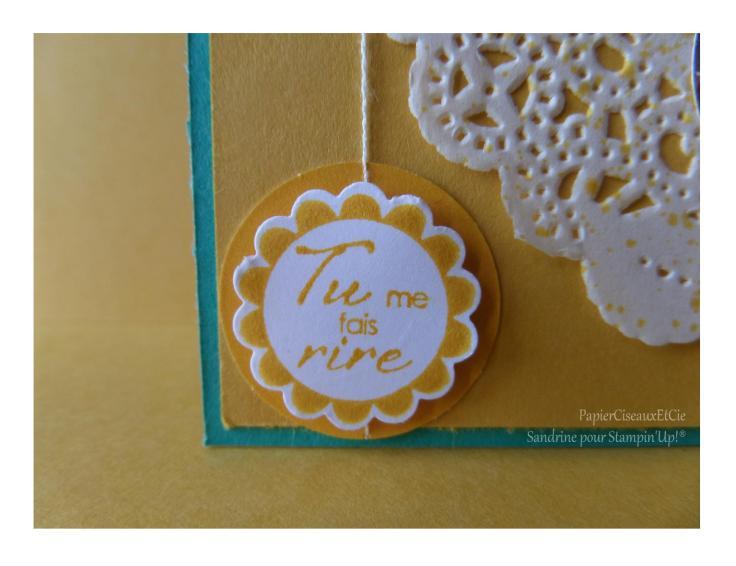 Carte jaune napperon fleur détail 1