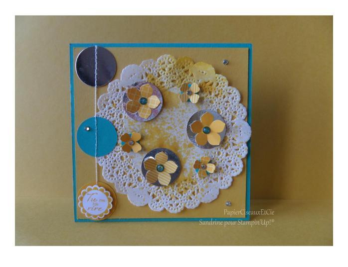 Carte jaune napperon fleur
