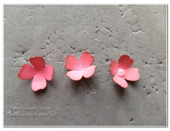 1 création fleur en relief étape 4 papierciseauxetcie