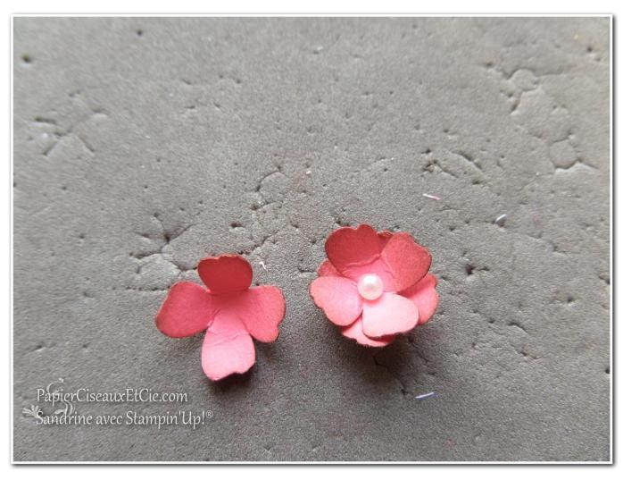1 création fleur en relief étape 5 papierciseauxetcie